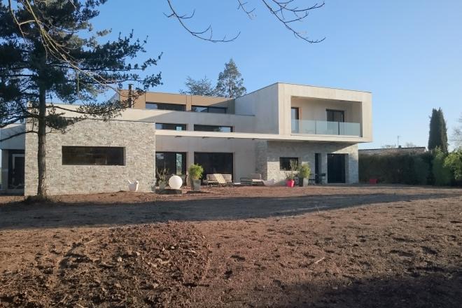 Une maison en b ton haute efficacit thermique la vie for Maison pro eco